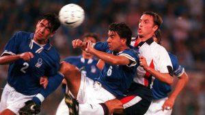 Englands landslagssjef Gareth Southgate i en kamp i 1997. Foto