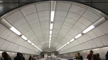 Tottenham Court Road tube. Foto rulletrapp