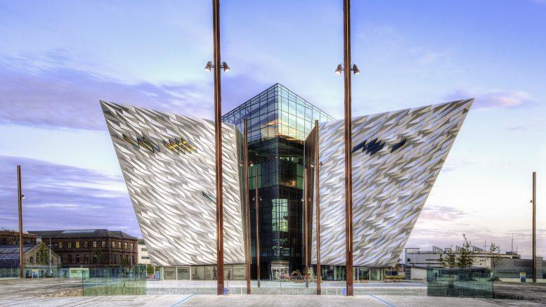 Titanic-museet i Belfast eksteriør. Foto