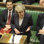 Theresa May på talestolen i Underhuset Foto