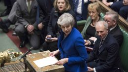 Theresa May i Underhuset. Foto