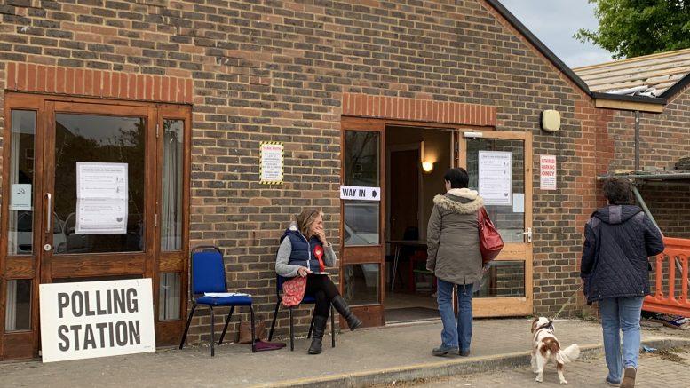 Eksteriøsbilde valglokale Eastbourne. Foto