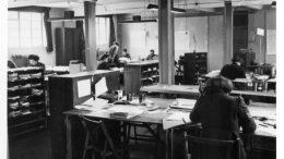 Kvinner i arbeid inne på Bletchley Park i en av brakkene under 2.verdenskrig. Foto