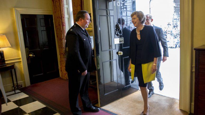 Theresa May ankommer Downing Street 10 13.juli 2016. Foto