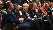 Boris Johnson i Underhuset. Foto