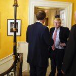 Boris Johnson i Downing Street. Foto