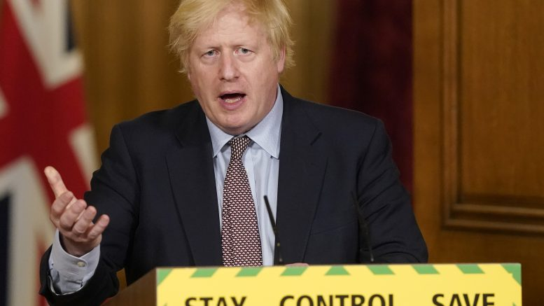 Boris Johnson under koronapressekonferanse i Downing Street