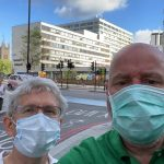 Trine Andersen og Erik Mustad med ansiktsmaske