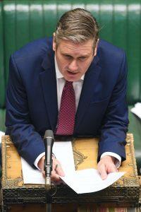 Labour-leder Keir Starmer i aksjon i spørretimen i Underhuset- foto