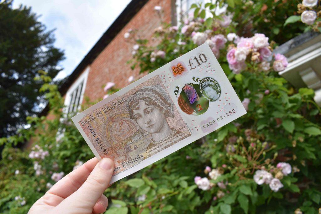 10-pund-seddel med Jane Austens portrett.