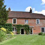 Jane Austens hjem som i dag er museum. Eksteriør. Foto