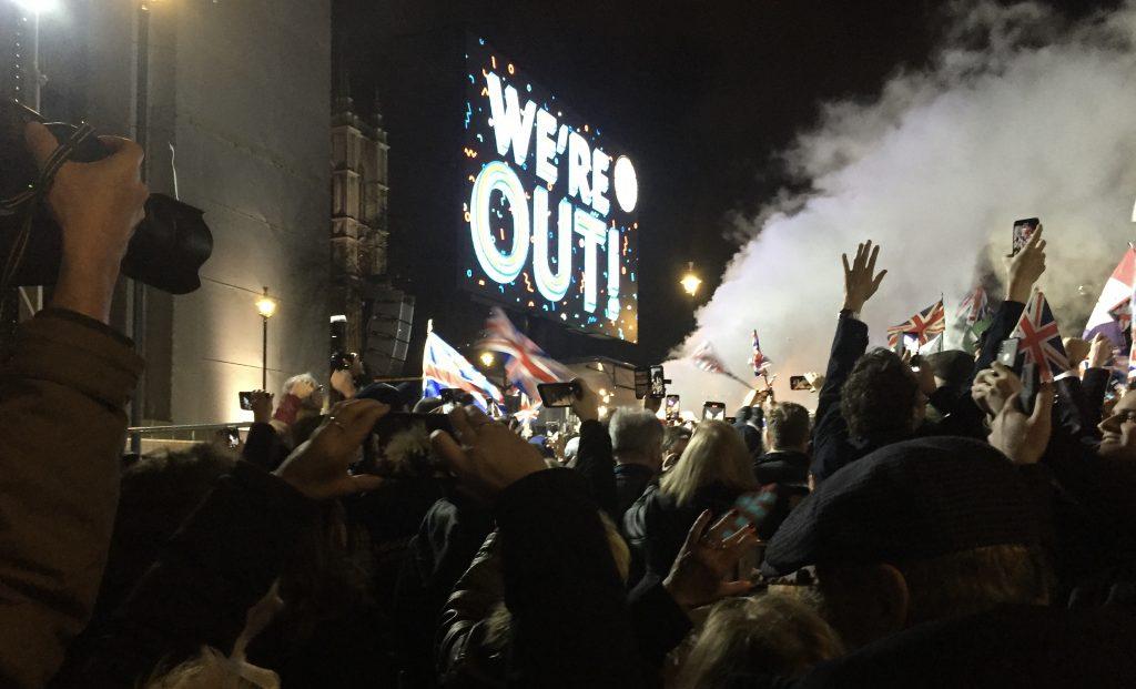 Storskjer på Parliament Square viser nedtelling 31.januar 2020 - britene er ute av EU. Foto