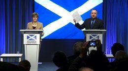 Nicola Sturgeon og Alex Salmond sammen. Foto