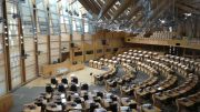 Interiøsbilde fra nasjonalforsamlingen i Skottland