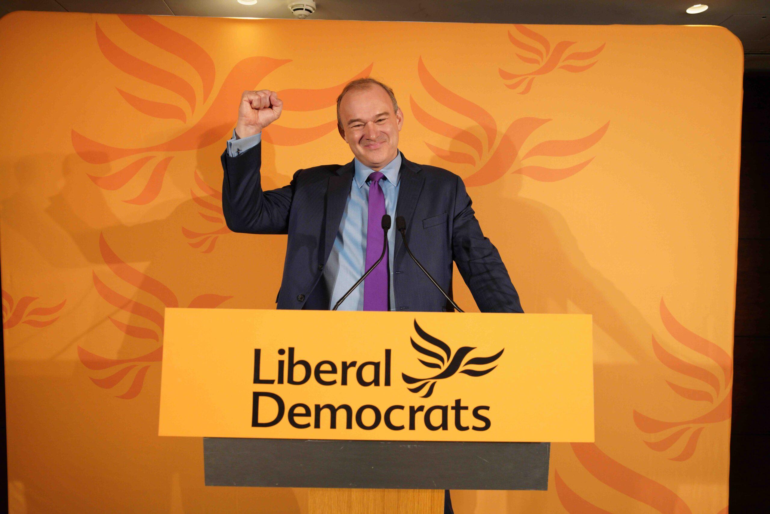 Ed Davey på talestolen- Foto